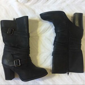 Black Heeled Boots Size 7 Med